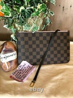 BRAND NEW! Louis Vuitton Neverfull MM Pouch Wristlet Damier Ebene Pink Pochette