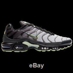 Brand New Men's Nike Air Max Plus Athletic Slip-On Training Sneakers Black