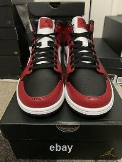 Nike Air Jordan 1 Retro Mid Chicago Black Toe Mens Size 12 554724-069BRAND NEW