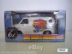 1974 Chevrolet Custom Van Blanc Gardez Sur Truckin 116 Échelle Autoroute 61 Marque Rare Nouveau