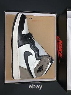 Air Jordan 1 Rétro High Og Dark Mocha Size 4.5y Gs Flambant Neuf 100% Authentique