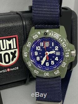 Brand New Luminox Navy Seal Canvass Blue Band Dial Modèle Xs. 3503. Nd Montre Homme