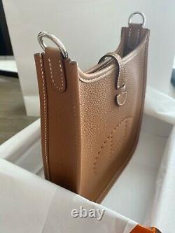 Hermès Flambant Neuf Evelyne Tpm Gold Mini Evelyne Avec Bracelet En Édition Limitée