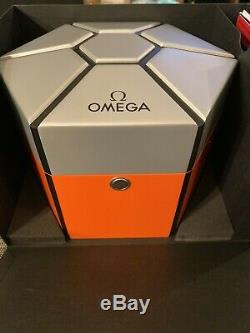 Omega Speedmaster Ultraman Limited Edition Tout Neuf Dans La Boîte Full Set