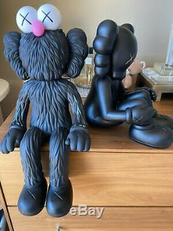 Tout Neuf Kaws Bff Seeing / Watching Black Limited Edition Expédition Rapide